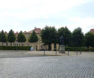 Neuruppin mit dem Denkmal für Karl Friedrich Schinkel